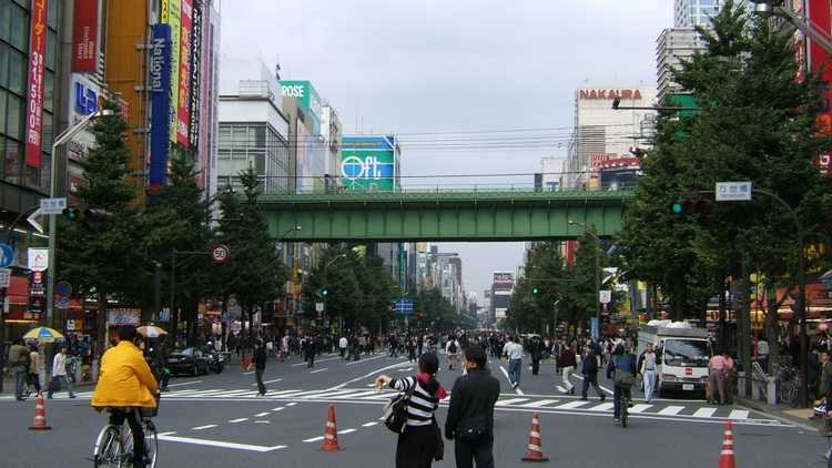 улицы Акихабары