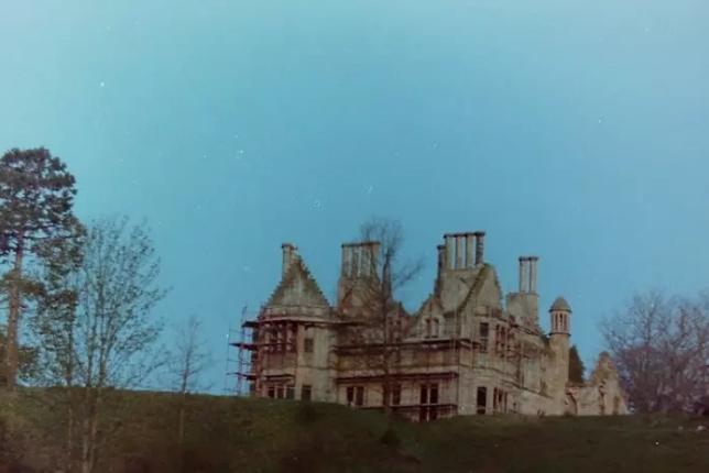 замок Лркхарта